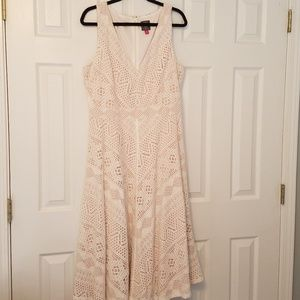 Vince Camuto Lace Midi V Neck A Line Dress 16